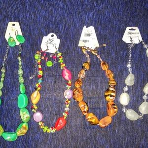 4 CHUNKY ACRILIC NECKLACE SETS